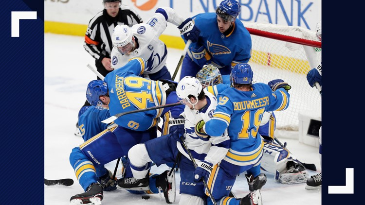 Blues snap Lightning's win streak with help of overturned goal