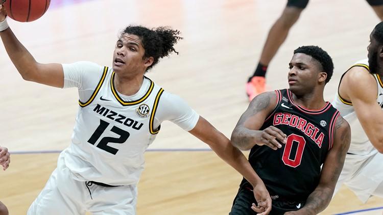 Missouri hits late free throws, beats Georgia 73-70 at SEC Tournament