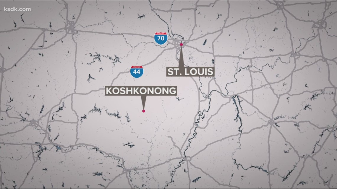 1 killed, 3 injured by shooter in convenience store in Koshkonong, Mo.