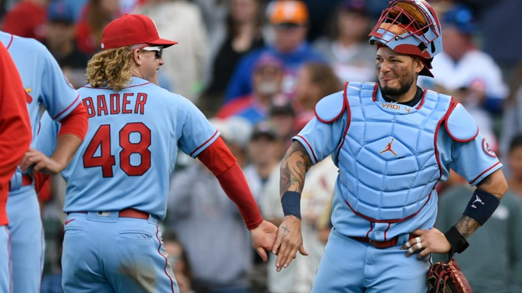 Cardinals break 86-year-old record with 15th straight win