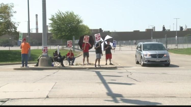 GM workers strike in Wentzville