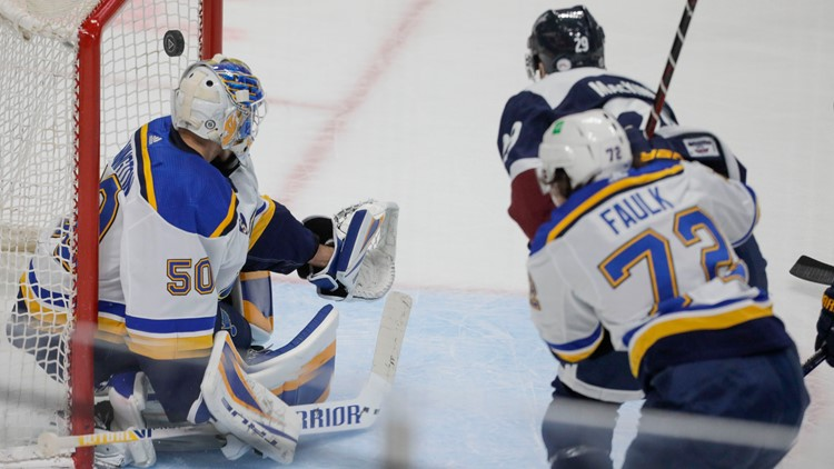 Avalanche deal Blues their fifth loss in a row 3-2