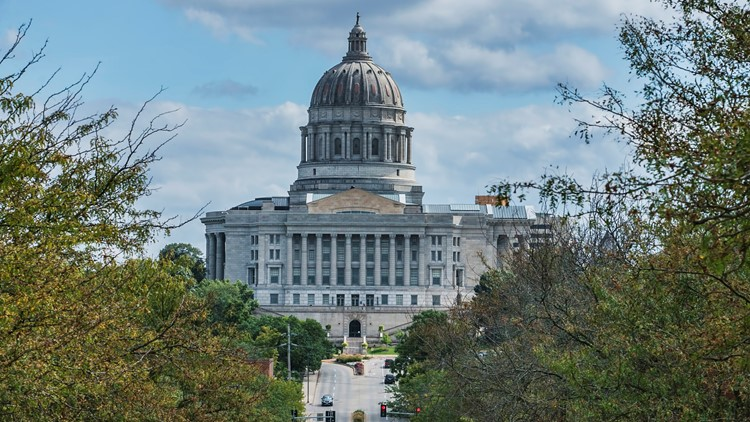 Missouri lawmakers pass bill to close public records