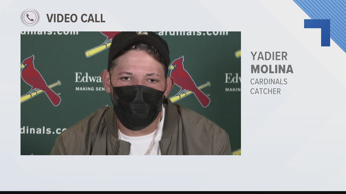 Yadier Molina catches 2,000th game for Cardinals