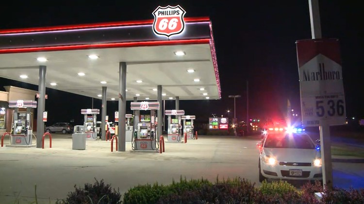 Man tries to rob 2 west county gas stations