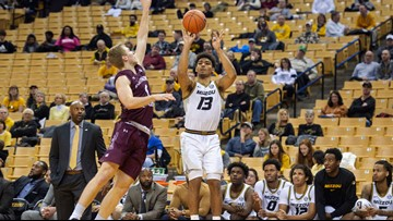 Smith's hot shooting lifts Missouri over Southern Illinois