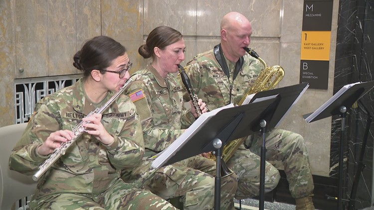 Military band performs on Presidents Day