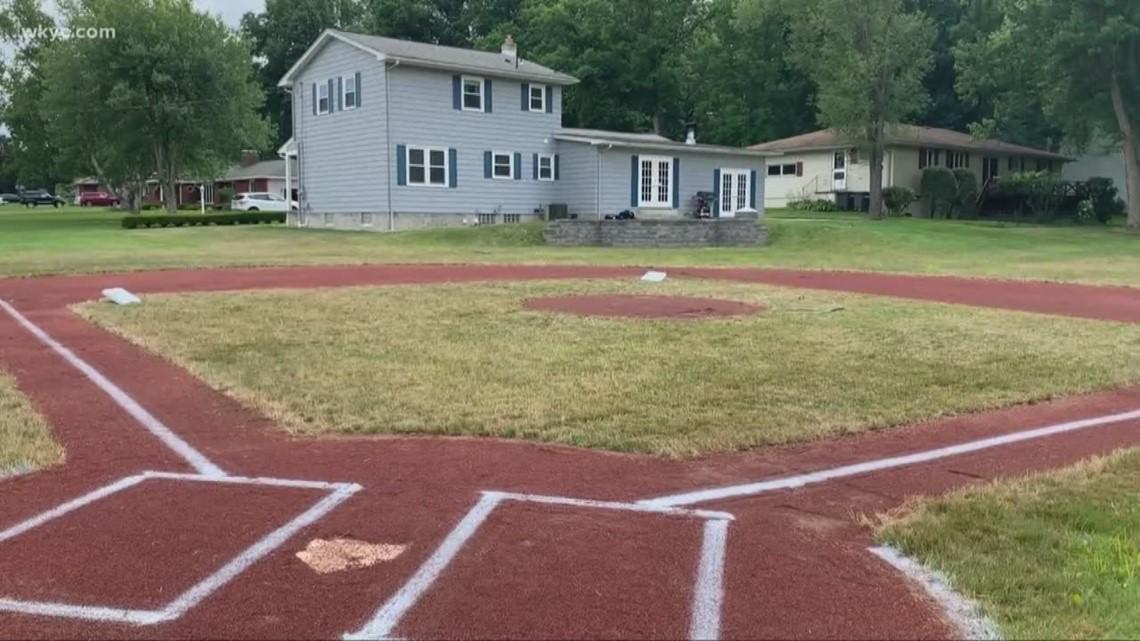 Ohio dad transforms backyard into baseball field for 5 ...