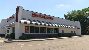 Steak 'n Shake looks to settle overtime suits for $8.3M